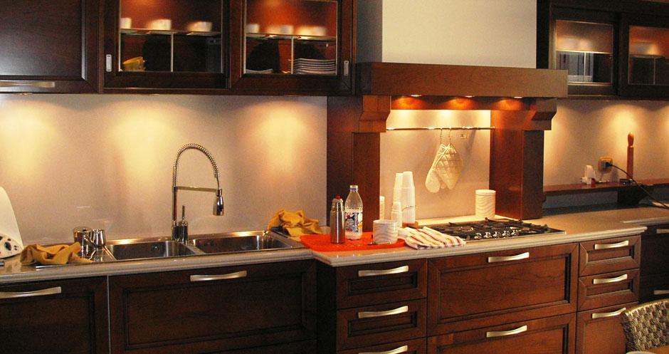 http://www.progettielavori.com/images/ristrutturazione-cucinaslider2.jpg
